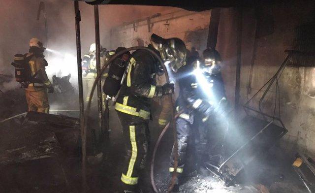 Registrado un grave incendio en tres infraviviendas de Arroyo Butarque, en Leganés