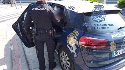 Detenido por intentar robar a una mujer al salir del banco