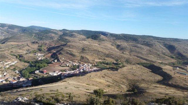 El pueblo de Checa (Guadalajara) y sus alrededores