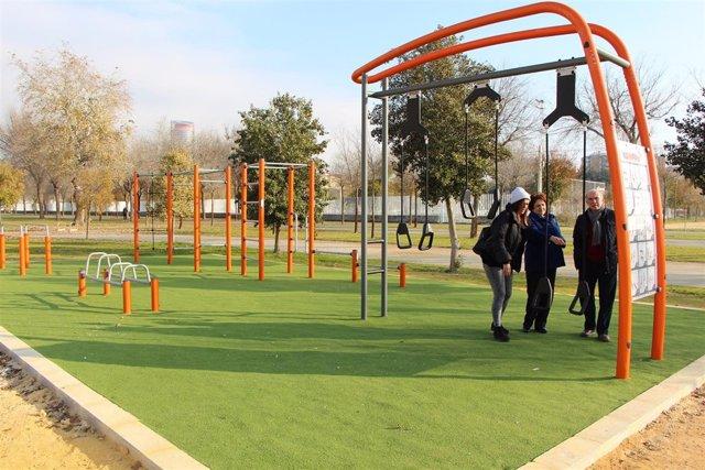 Nuevo circuito de gimnasia en el Parque Vega de Triana