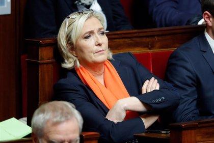 Le Pen pide a los 'chalecos amarillos' que vean las elecciones europeas como un plebiscito sobre Macron