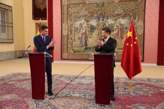 Pedro Sánchez y el presidente de China Xi Jinping presiden el encuentro del Cons