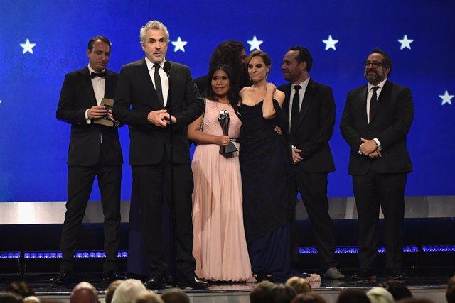 Alfonso Cuarón en los Critics' Choice Awards