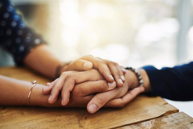 Empatía y comprensión, claves para ayudar a una persona con depresión