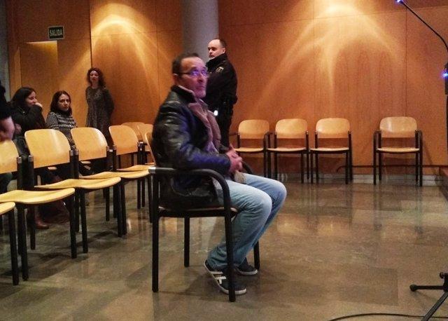 El acusado del llamado crimen de Salesas ante el tribunal.