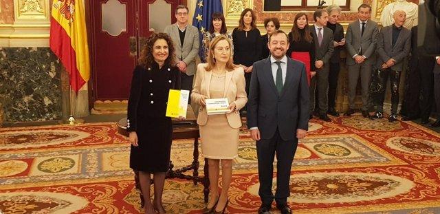 María Jesús Montero, Ana Pastor y Francisco de la Torre, con los PGE 2019