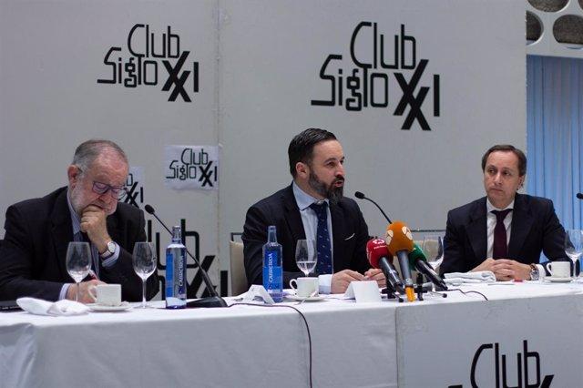 El presidente de Vox, Santiago Abascal, en un desayuno informativo