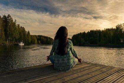 """La práctica del """"mindfulness"""" ayuda a perder peso y a relacionase con la comida de forma equilibrada"""