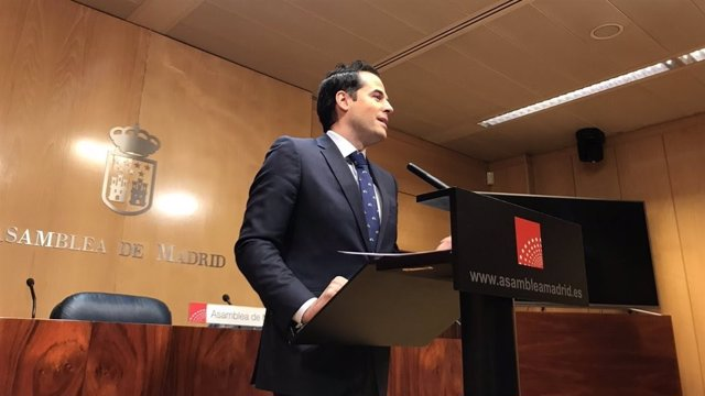 Ignacio Aguado en rueda de prensa en la Asamblea