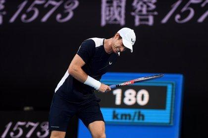 Bautista amarga la despedida de Murray de Melbourne y Federer se deshace de Istomin