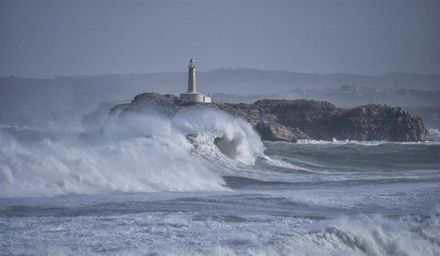 Nota Uc El Calentamiento Del Océano Está Haciendo Que La Energía De Las Olas Sea