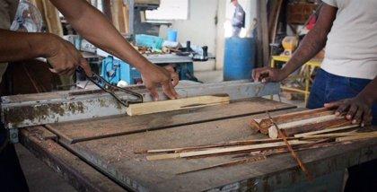 Jóvenes presos construyen un báculo para el papa por su visita a Panamá