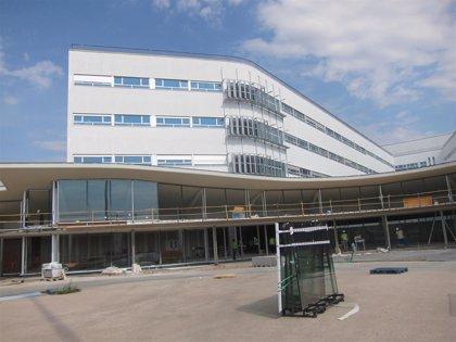 """La Junta recepciona la obra del nuevo Hospital de Cáceres """"a la espera"""" del ayuntamiento conceda la licencia de apertura"""