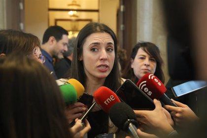 Irene Montero critica que Vox rechace a los inmigrantes y luego se financie de extranjeros iraníes