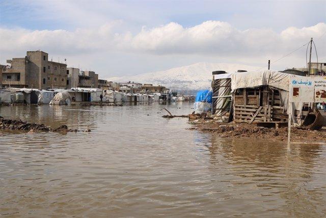 Campamento de refugiados sirios en Líbano inundado por la tormenta 'Norma'