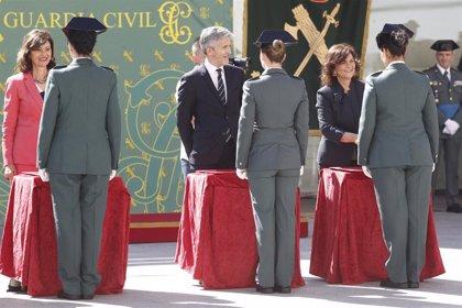 """El Gobierno asegura que la Guardia Civil estudia fijar """"cuotas"""" de acceso de la mujer al Cuerpo"""