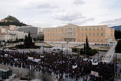 Policías y profesores se enfrentan por segunda vez en una semana en las calles de Atenas