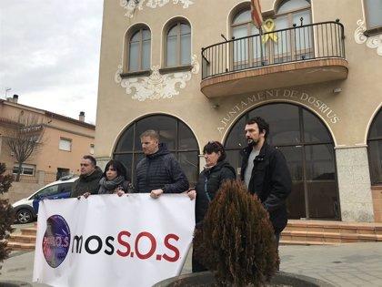 Sindicatos de Mossos protestan junto a vecinos de Dosrius afectados por una ola de robos