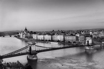 Un equipo israelí buscará restos de víctimas del Holocausto en el Danubio con ayuda húngara