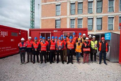 El Comité de las Regiones de la UE visita en Navarra la primera promoción de vivienda pública en Passivhaus