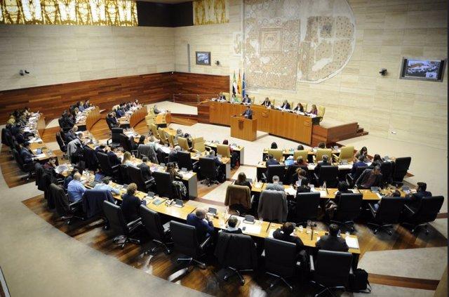 Pleno de presupuestos en la Asamblea de Extremadura
