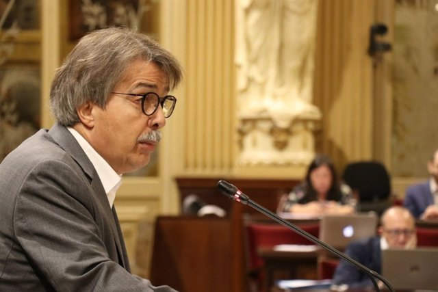 El diputado de Ciudadanos, Xavier Pericay, en el Parlament
