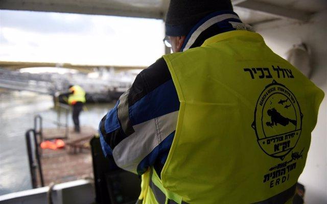Israel busca a las víctimas del Holocausto que fueron lanzadas al Danubio