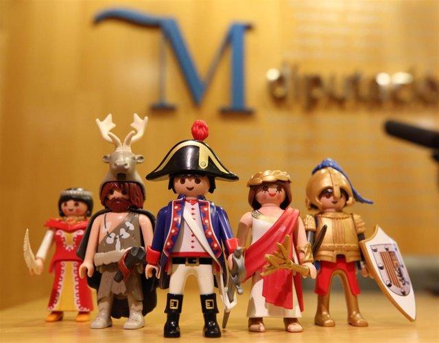 Figuras de Playmobil en la Diputación
