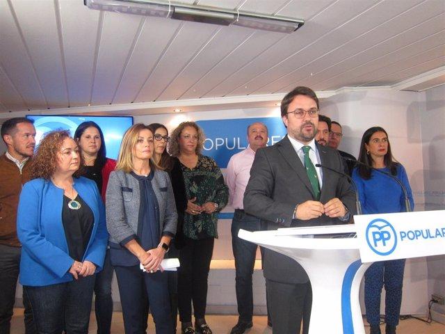 Antona, con diputados y senadores del PP
