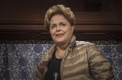 """Dilma Rousseff cree que el modelo de """"campaña"""" de Bolsonaro se va a """"expandir a otros países"""""""