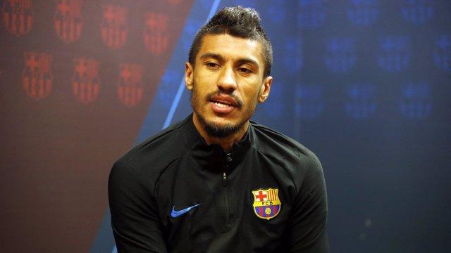 El centrocampista del FC Barcelona Paulinho