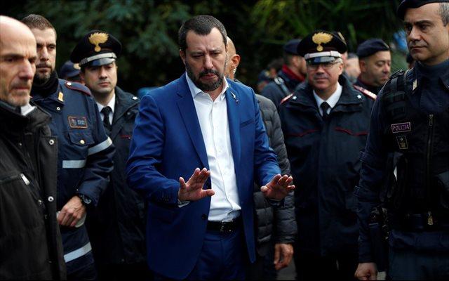 Salvini pide a Macron la extradición a Italia de milicianos izquierdistas acogidos en Francia a la 'doctrina Miterrand'