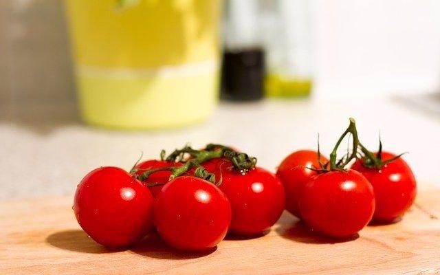 Las personas que se oponen a los alimentos modificados genéticamente saben menos de lo que creen