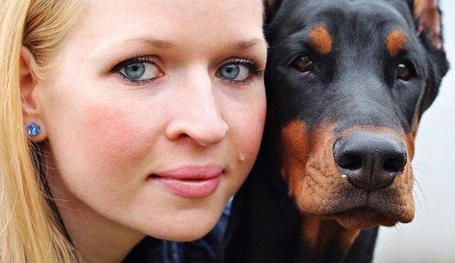 Grano, acne, mujer, perro