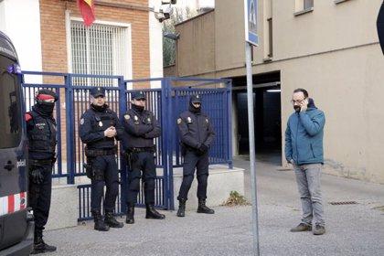 ACTUALIZACIÓ:La Policia Nacional deté els alcaldes de Verges i Celrà i tres membres dels CDR en una operació per desordres públics