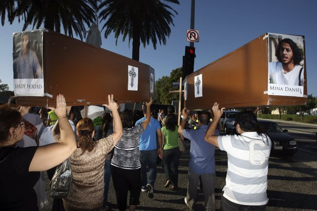 Protesta contra la persecución y asesinato de cristianos coptos en Los Ángeles