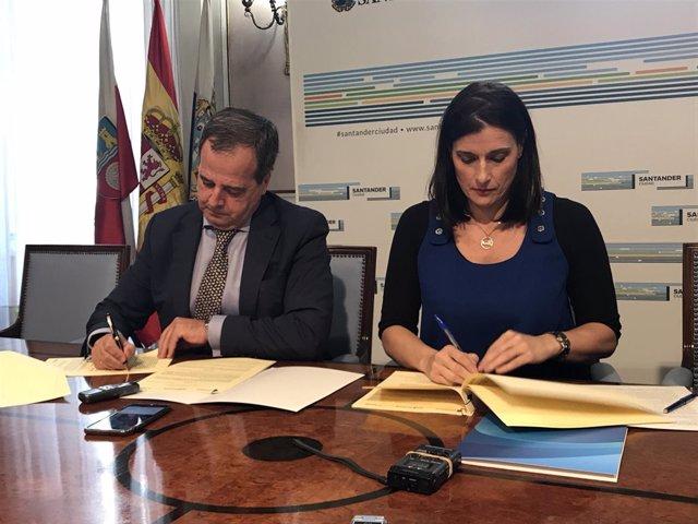 Firma del convenio para la cesión de viviendas de Sareb al Ayuntamiento