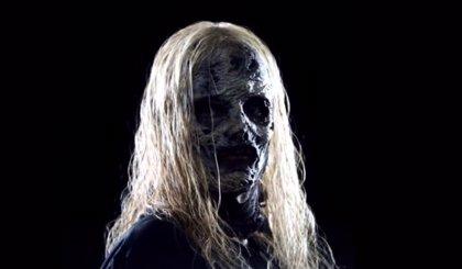 The Walking Dead: Primer vistazo completo a Alpha, líder de Los Susurradores en el nuevo teaser