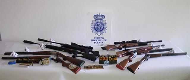 Armas del detenido por disparar con carabina en Albacete