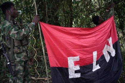 El ELN se atribuye el derribo de un helicóptero y el secuestro de sus tres tripulantes en el nordeste de Colombia