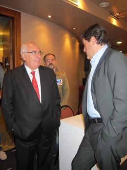 Vicente Álvarez Areces Charla Con Javier Fernández.
