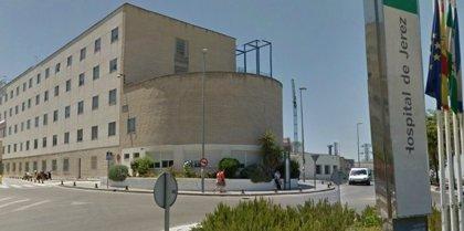 A prisión por agredir a una enfermera del Hospital de Jerez, a varios policías y a su abogado