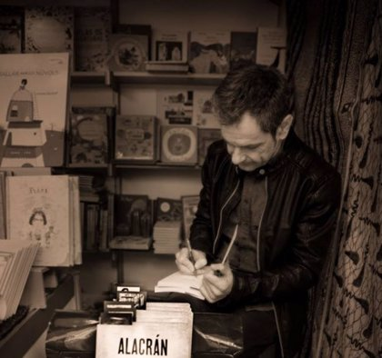 En marcha el primer club de lectura de novela negra de las bibliotecas municipales de València