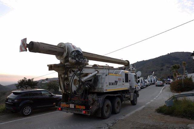 Movimiento de tierra para la construcción de los túneles en Tolalán