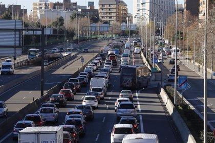 Madrid vuelve mañana a escenario 1 por contaminación, por lo que todos los coches podrán circular y aparcar en SER