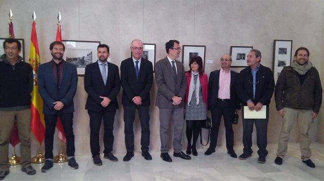 Mario Gómez en la imagen tras la firma convenio ayuntamiento y entidades