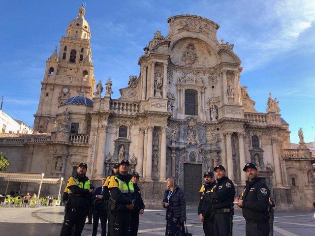 Agentes de Policía Turística