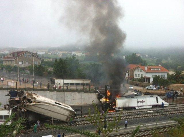 Accidente de un tren Alvia en Angrois (Santiago) el 24 de julio de 2013