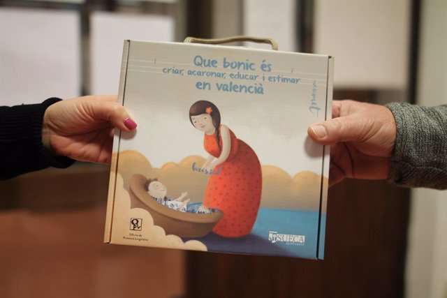Sueca dóna la benvinguda als nounats en valencià