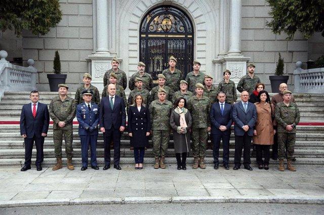 La ministra de Defensa, Margarita Robles, visita la Academia de Infantería